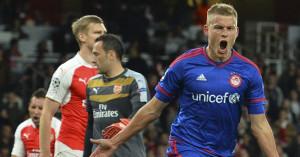 Alfreo Finnbogason: Celebrates Olympiacos' winning goal against Arsenal