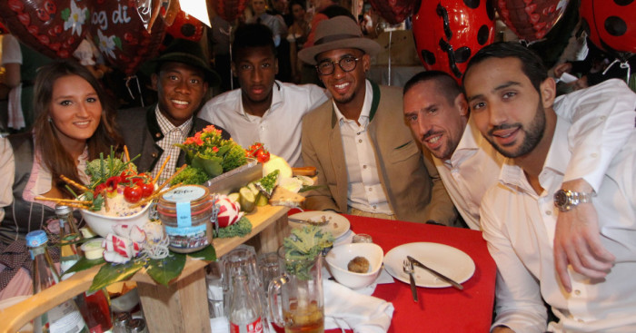 Medhi Benatia, Franck Ribery, Jerome Boateng, Kingsley Coman, David Alaba pose for the cameras