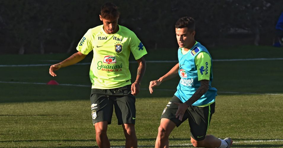 Neymar (l): Believes Philippe Coutinho is capable of playing for Barcelona