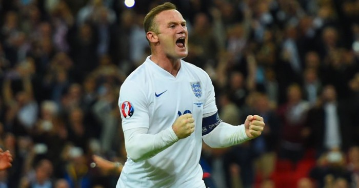 Wayne Rooney: Wants to start up front