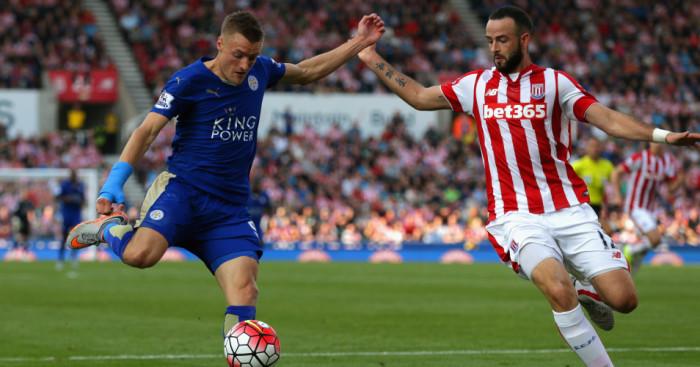 Jamie Vardy: Leicester striker fires towards goal against Stoke