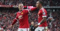 Memphis Depay celebrates Manchester United v Sunderland TEAMtalk 1