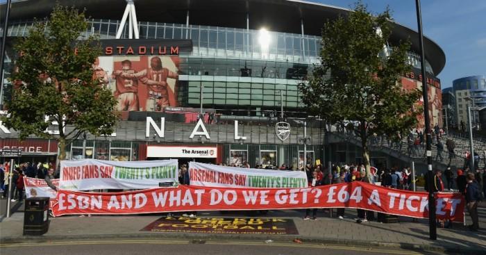 Arsenal fans protest TEAMtalk