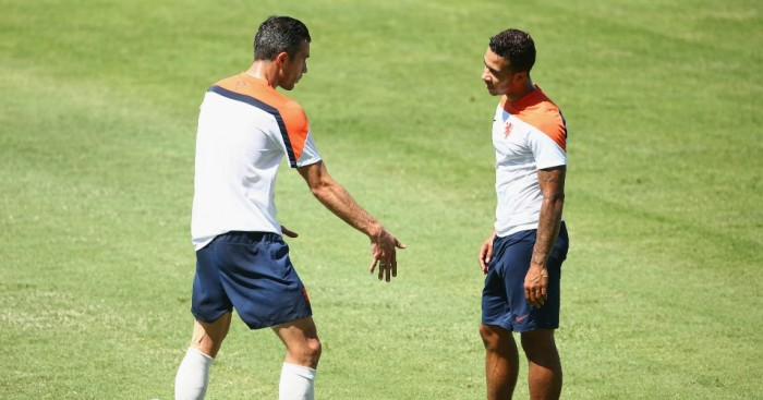 Robin van Persie (l): Spat with Memphis (r) played down
