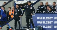 Tony Pulis: Manager unhappy with referee Anthony Taylor