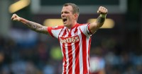 Glenn Whelan: New one-year deal
