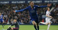 Jamie Vardy: Leicester striker a doubt for Newcastle game