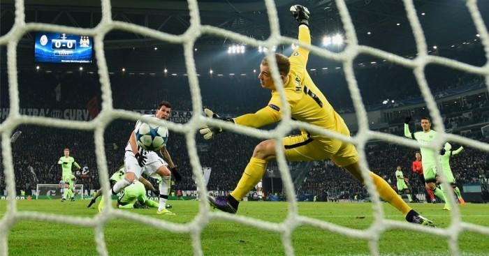 Mario Mandzukic scores Juventus v Manchester City