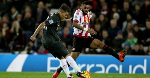 Sunderland's Yann M'Vila blocks Liverpool's Roberto Firmino shot