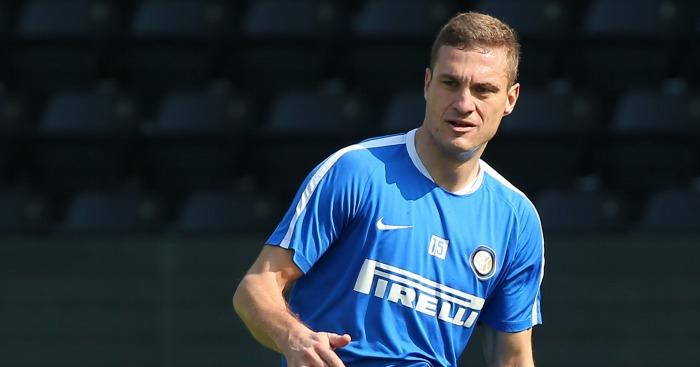 Nemanja Vidic: Defender a free agent after being released