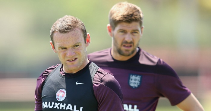 Steven Gerrard: Defends Wayne Rooney's form