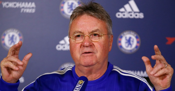 Guus Hiddink: Chelsea boss assesses Manchester United's style