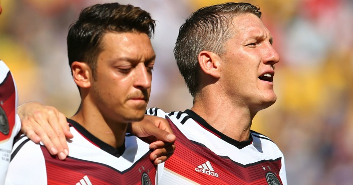 Ozil & Schweinsteiger: Training absentees