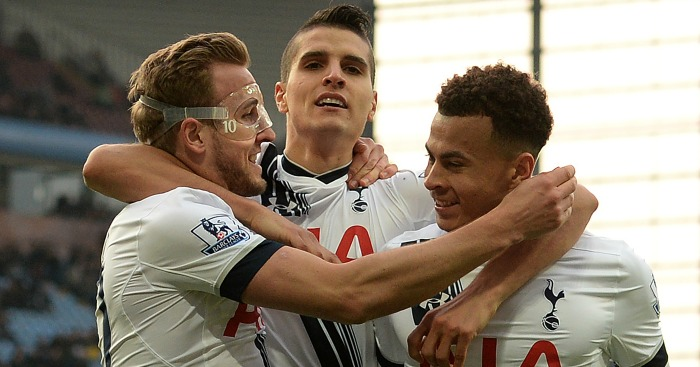 Harry Kane: Celebrateswith Erik Lamela and Dele Alli