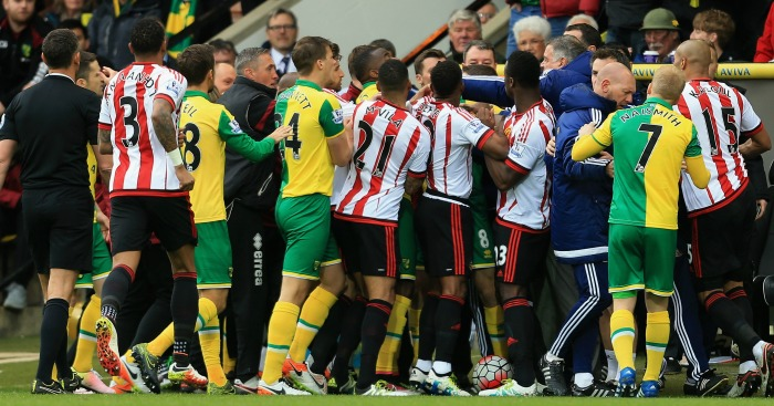 Norwich v Sunderland: Player melee