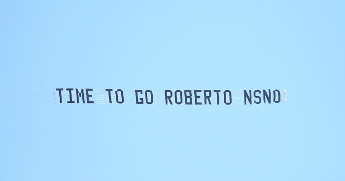 Roberto Martinez protests
