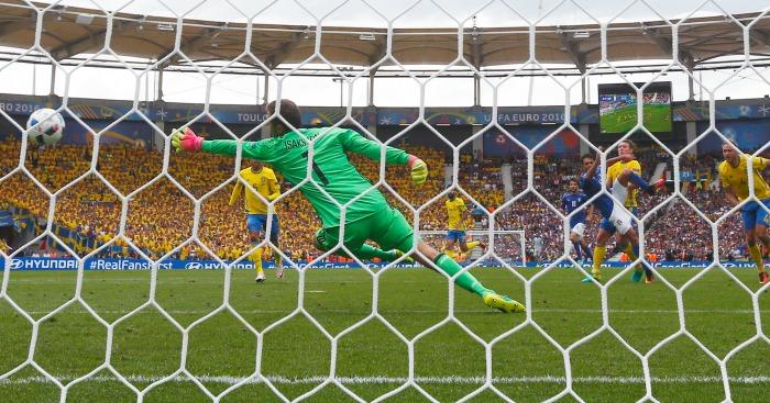 Eder scores Italy v Sweden
