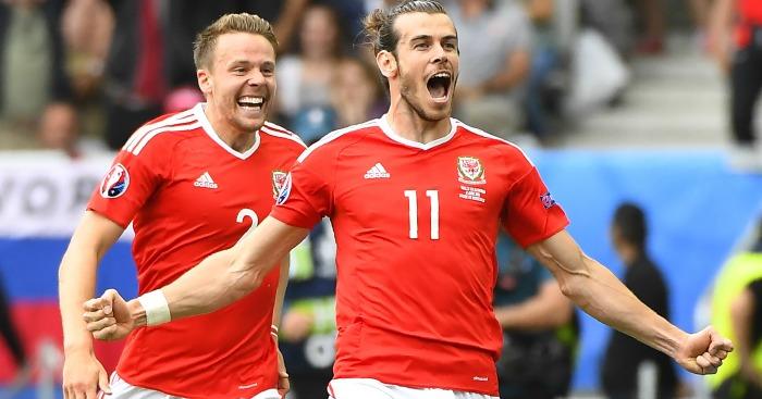 Gareth Bale celebrates Wales v Slovakia 1