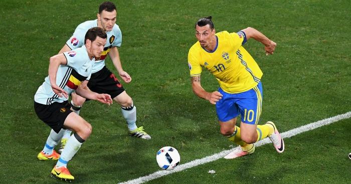 Zlatan Ibrahimovic: Striker close to sealing Man Utd switch
