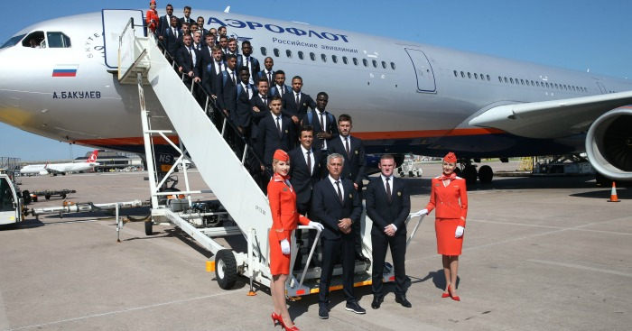 Manchester United fly to China