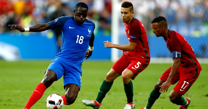 Moussa Sissoko: Takes on the Portugal defence