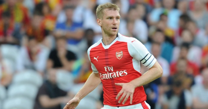 Per Mertesacker: Signed a new deal
