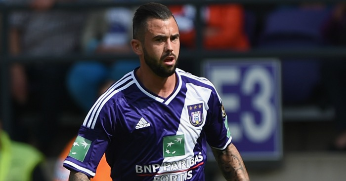 Steven Defour: Completes record move to Turf Moor