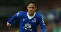 Steven Pienaar: Midfielder reunited with David Moyes