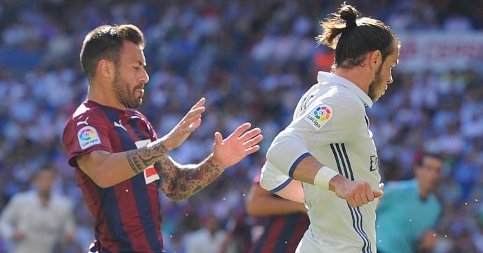 Antonio Lunar: Chases down Gareth Bale