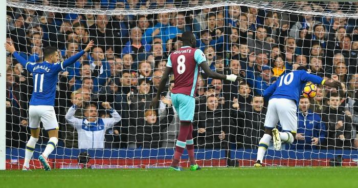 Lukaku scores Everton