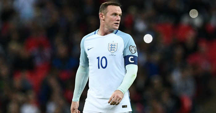 Wayne Rooney: Form criticised