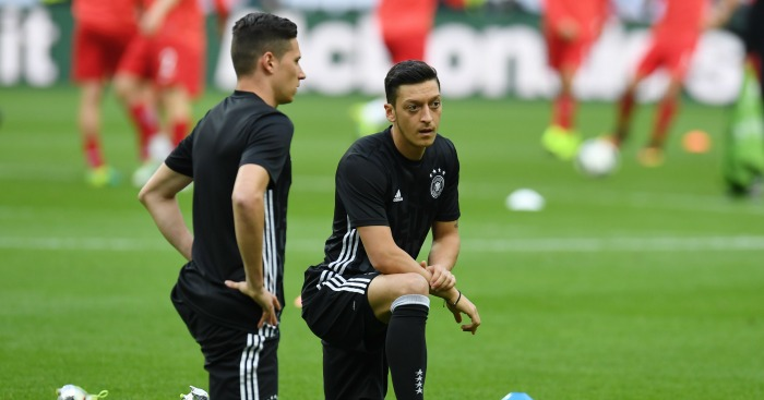 Mesut Ozil: Attacker wants Arsenal to sign Julian Draxler