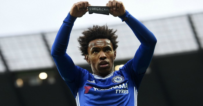 Willian: Pays respect to Chapecoense victims