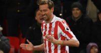 Peter Crouch: Reaches Premier League landmark