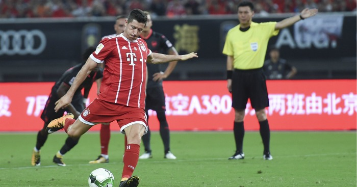 Lewandowski not distracted by Real rumours