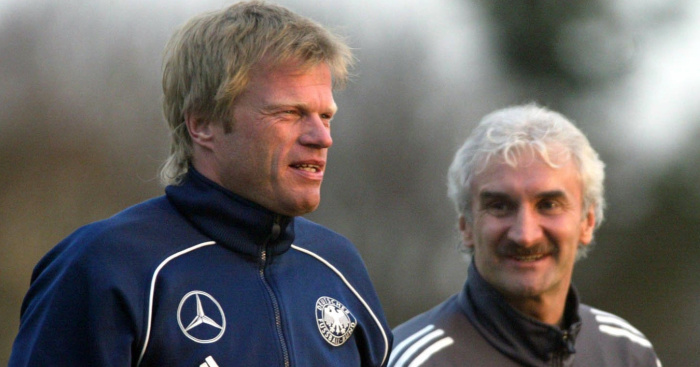 Kahn regrets not joining Manchester United