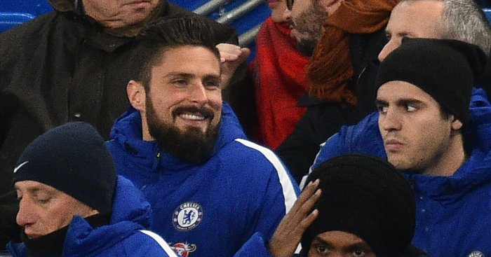 Giroud swaps Arsenal for Chelsea