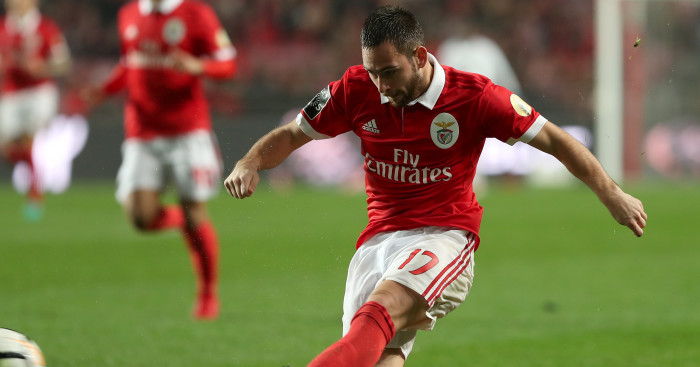 Wenger looking to replace 'Swiss Fegor Ogude' with Benfica star.