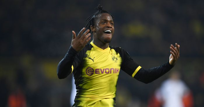 Arsenal ease to victory, Batshuayi grabs Dortmund win