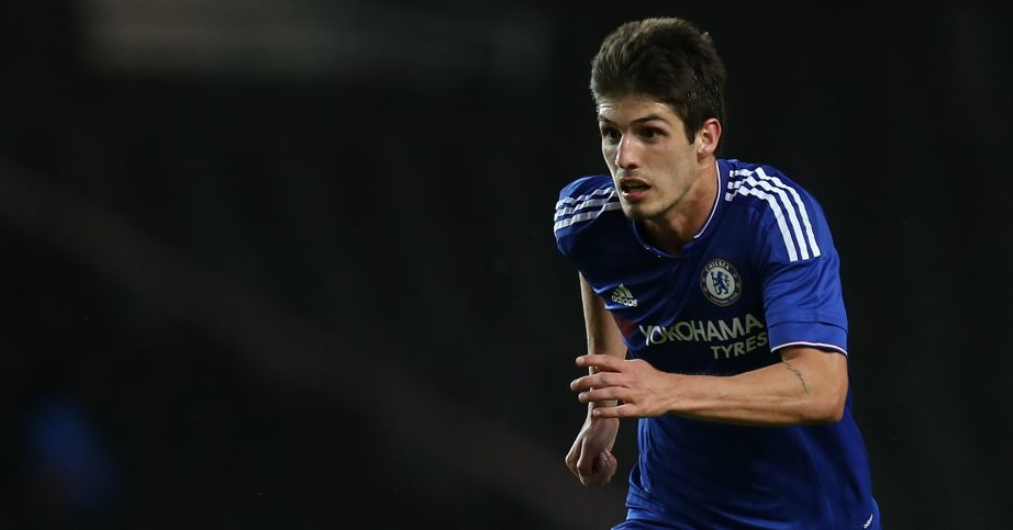 Lucas Piazon: Chelsea recall midfielder from Reading loan