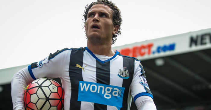 Daryl Janmaat: Hopes Newcastle stay unwardly mobile