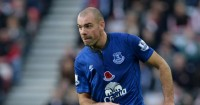 Darron Gibson: Reunited with David Moyes