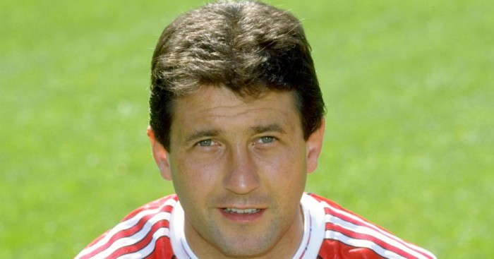 Ralph Milne: Former Dundee United and Manchester United winger has died