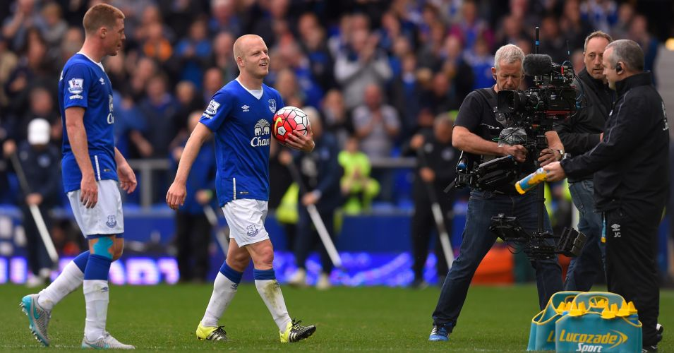 Steven Naismith: Carries the ball after scoring hat-trick for Everton against Chelsea