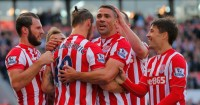 Jonathan Walters: Signs up with Stoke until June 2018