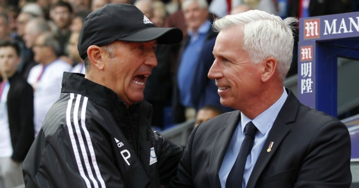 Tony Pulis (l): Shakes hands with Alan Pardew