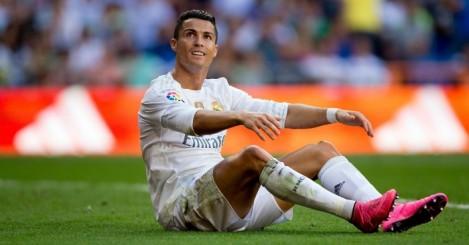 Cristiano Ronaldo: Has a thigh injury
