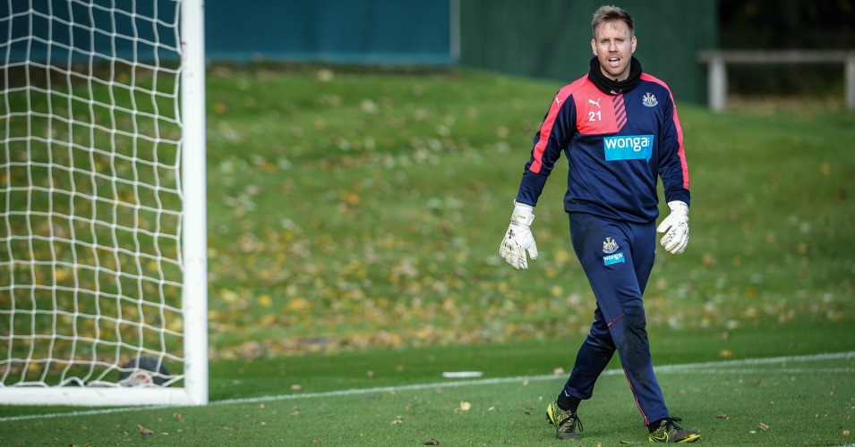 Rob Elliot: Goalkeeper aggravated injury in draw with Stoke