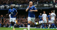 Steven Naismith: Forward started only four league matches
