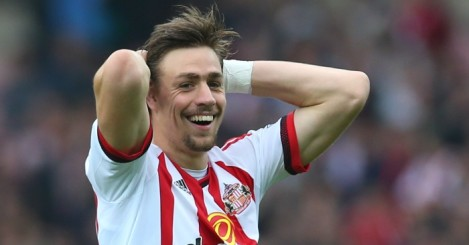 Sebastian Coates: Sunderland defender will stay at Sporting Lisbon